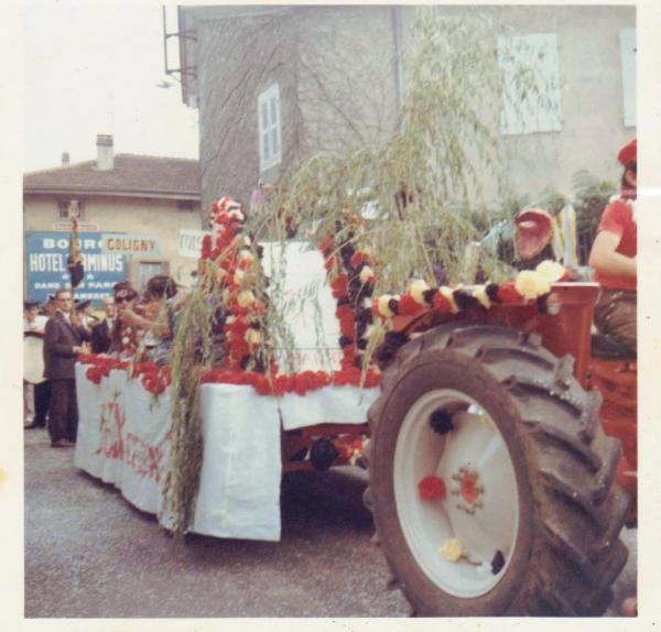1er char fait par le club des jeunes pour le festival de musique en 1968.