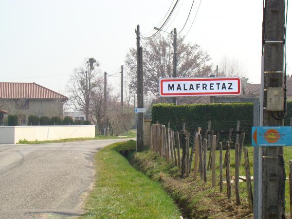 entrée du village par la route de Pillebois