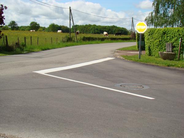 STOP au carrefour de la route de Pillebois et de la route Malafertoise